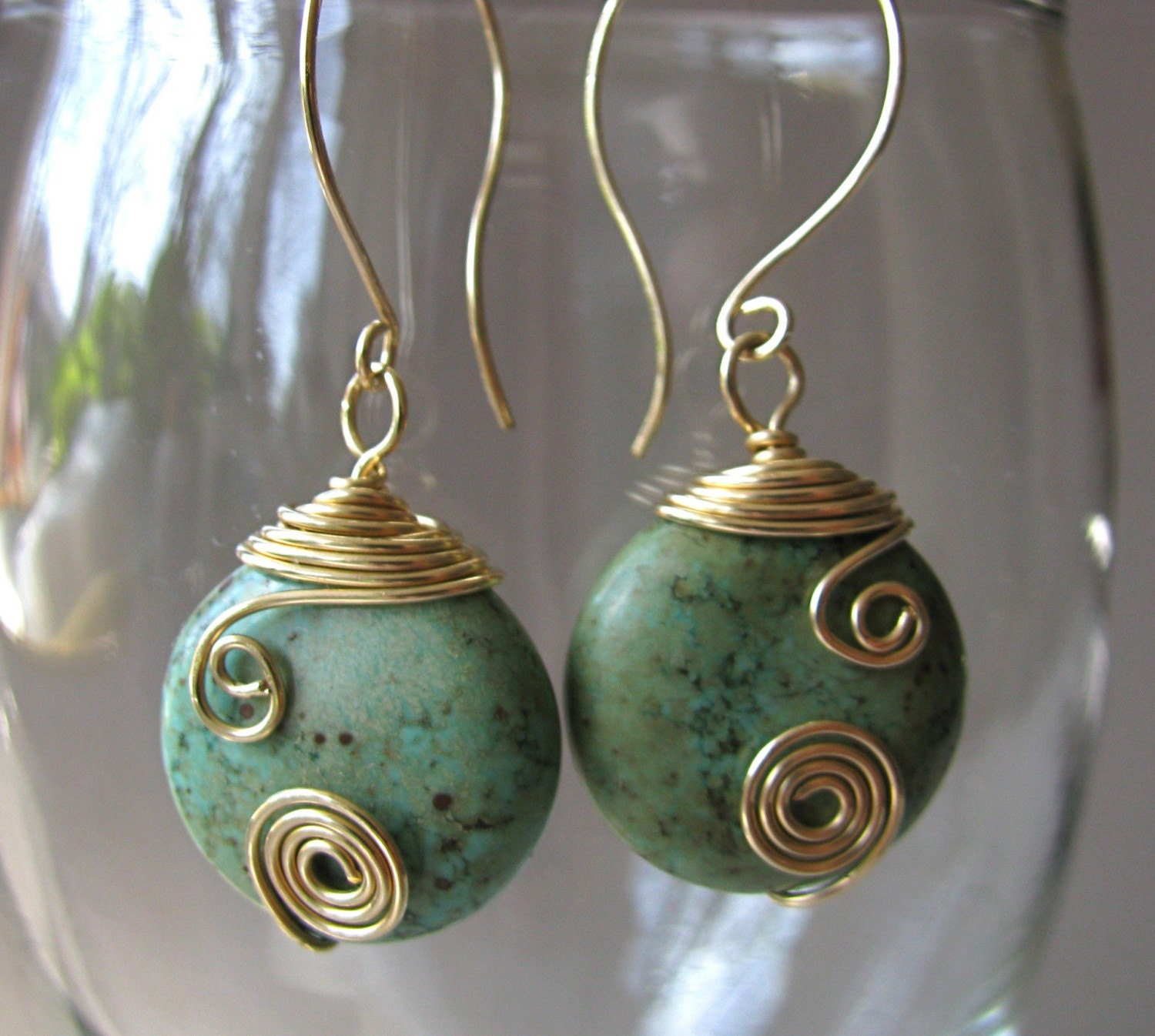 il_fullxfull.23387552.jpg (JPEG Image, 2572x2308 pixels) - Scaled (31%) :  gold-filled swirl wire-wrapped earrings