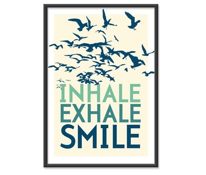 VENTA DE AGOSTO / / Inhale.  Exhale.  Sonrisa.  en Mar Azul-Verde 13x19 (No.027)