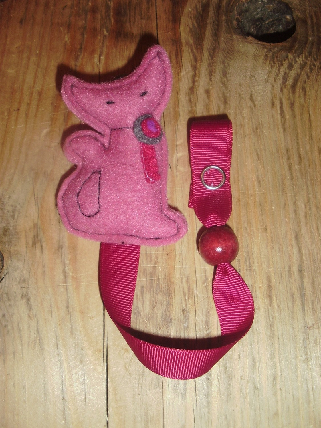 il fullxfull.226847404 This wonderful pacifier clip is not only functional but stylish!