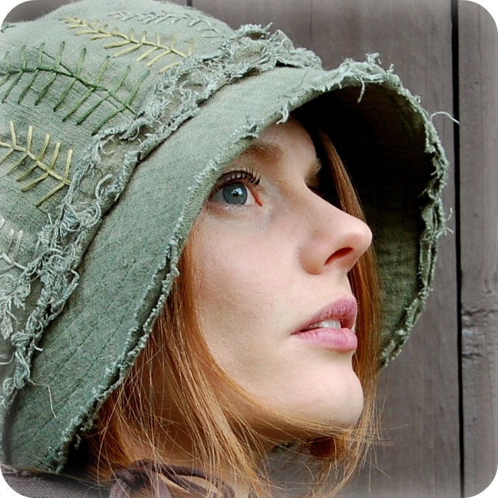 Forest Cloche Hat - Moss and Fern
