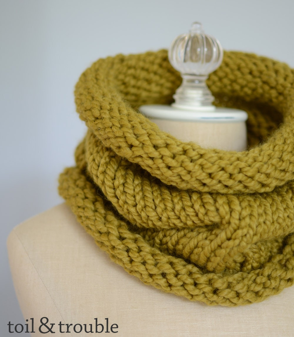 The Sam - Handknit Chunky Unisex Cowl - Avocado Snapdragon Green - Ready to Ship
