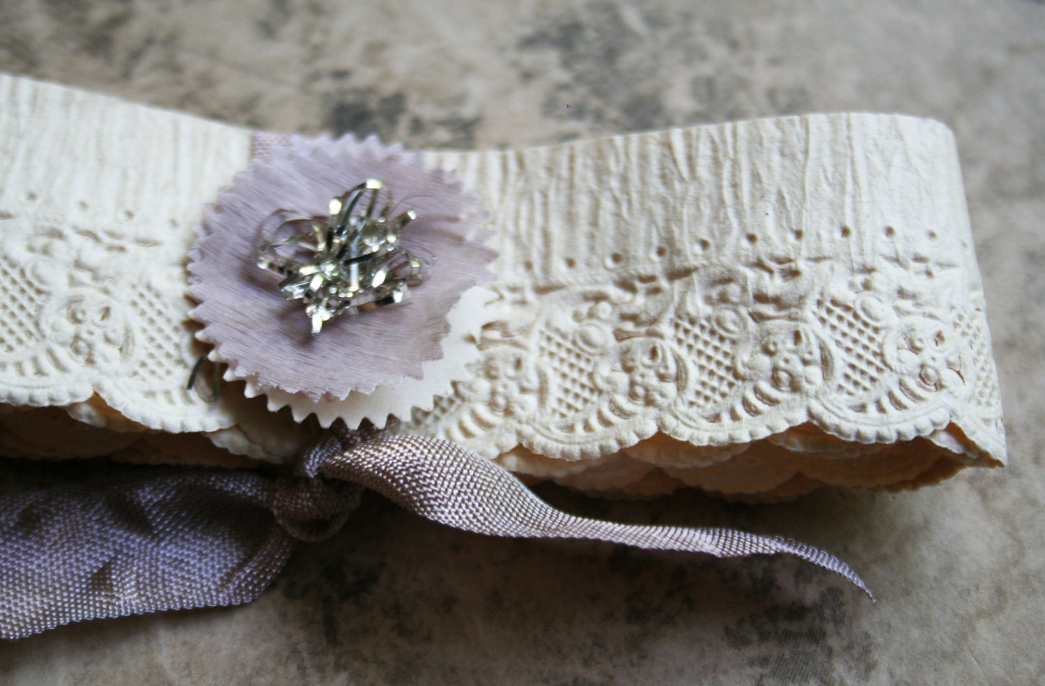vintage 1920's german scalloped paper lace