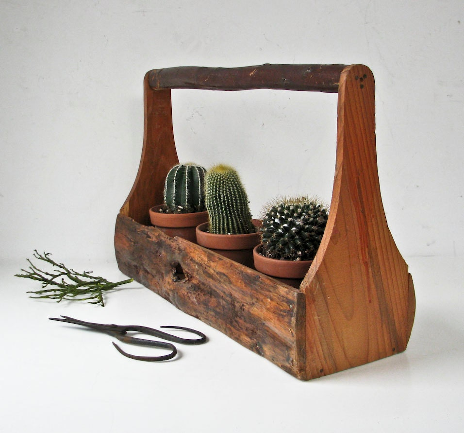 Hand Made Wood Carrier Box - Primitive Box - Bark Sides - Branch Handle - BeeJayKay