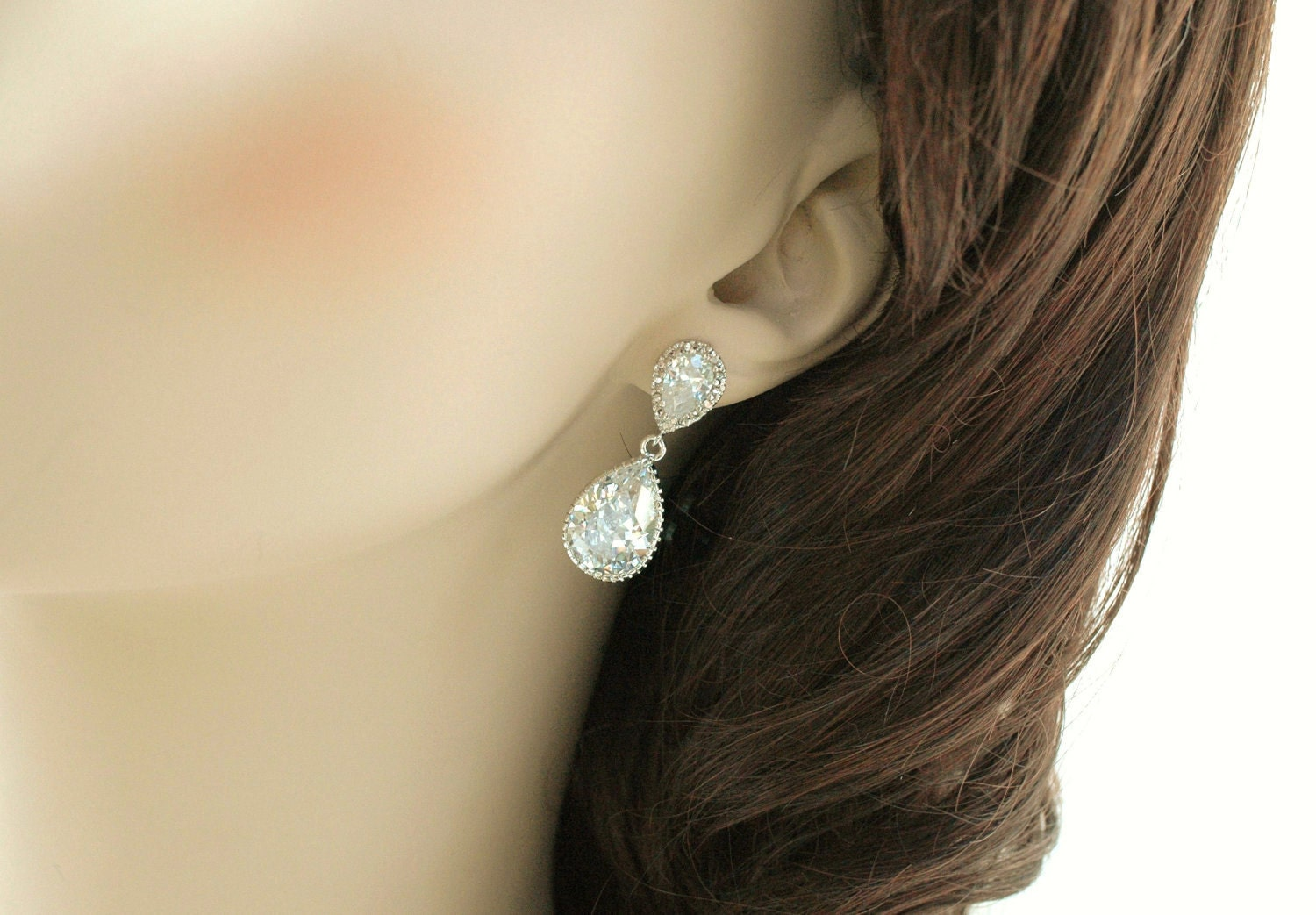 Tear drop rhinestone earrings, classic pear shape earrings, wedding jewelry