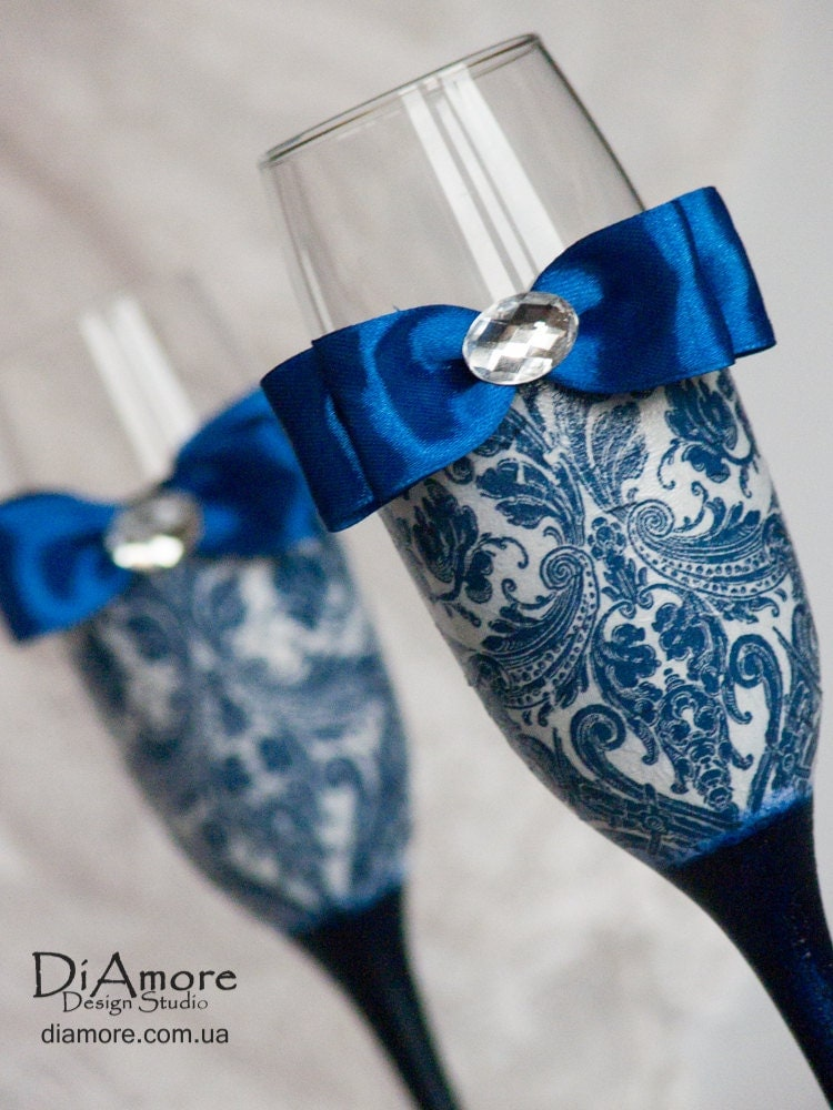 personalized wedding glasses from the collection damask dark blue