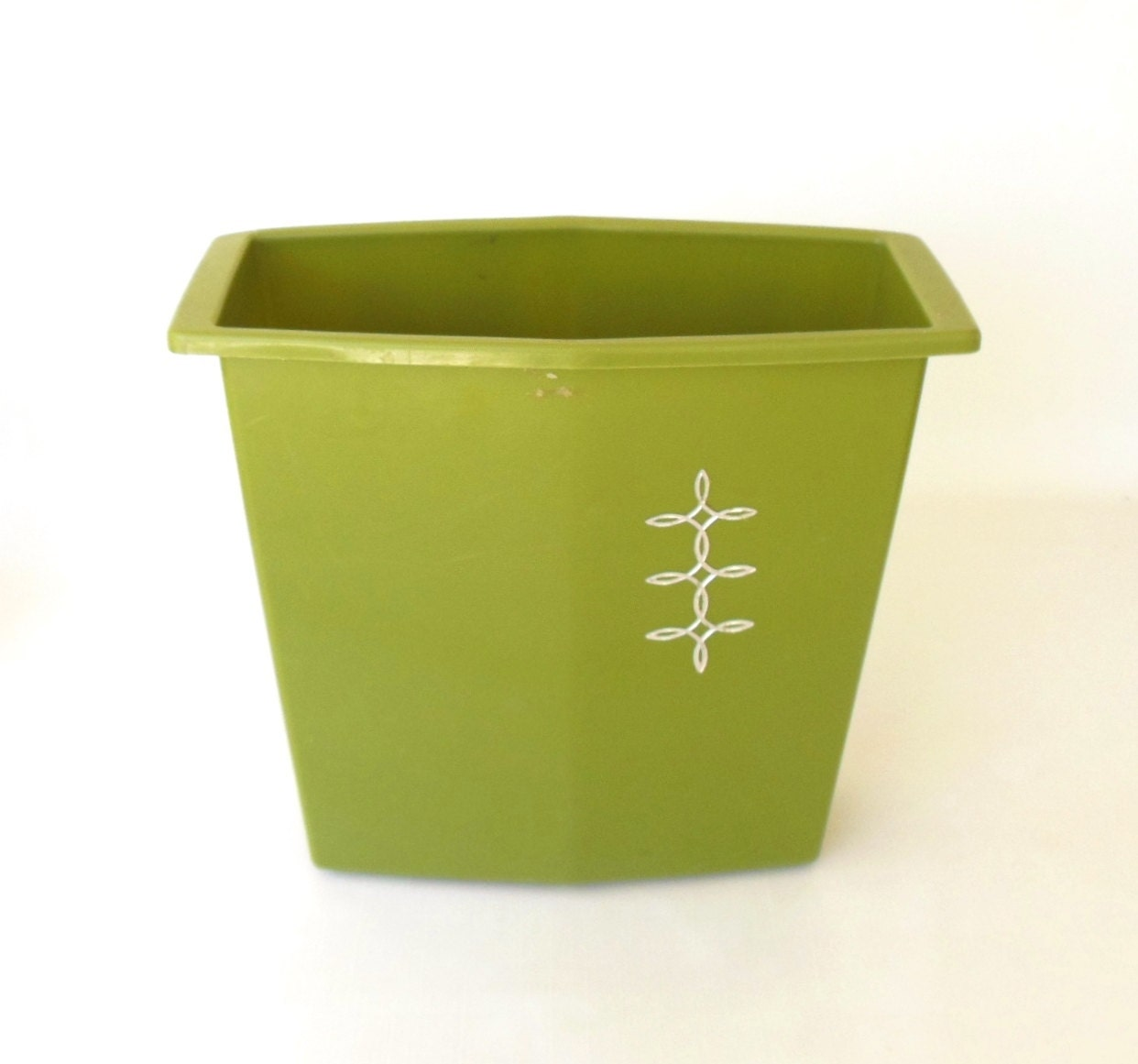 Plastic Waste Basket Avocado Green Trash Can By