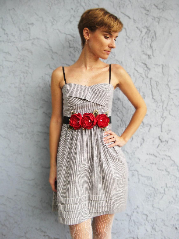 Red Flower Dress Sash. Summer Flowers Dress Sash. Red Flower Belt. Whimsical Floral Sash. Wedding Accessory. Bridesmaids Dress Sash. - RomanticARTlife