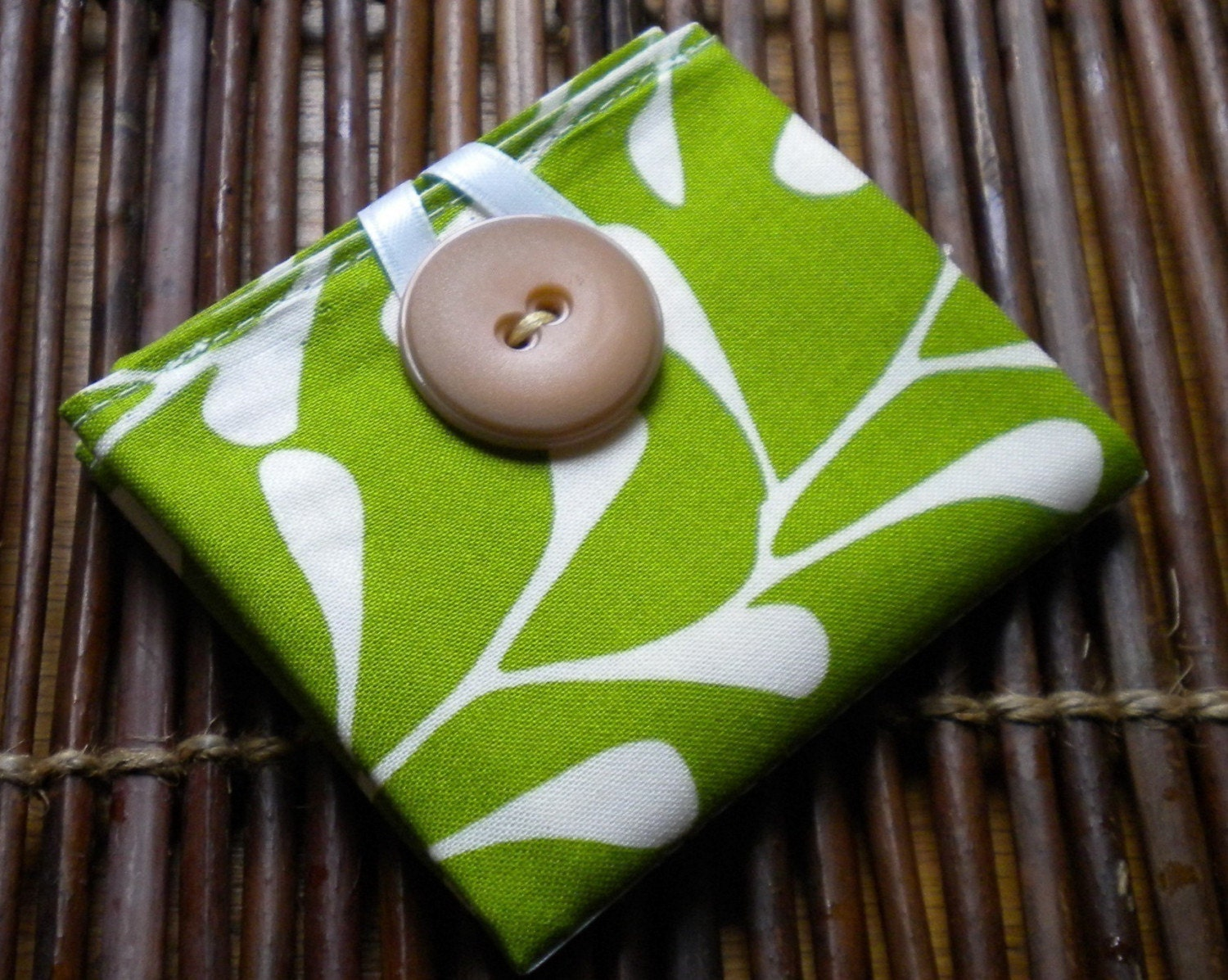 Tea-To-Go Tea Bag Cozy in Spring Green Twig (holds 4 tea bags)