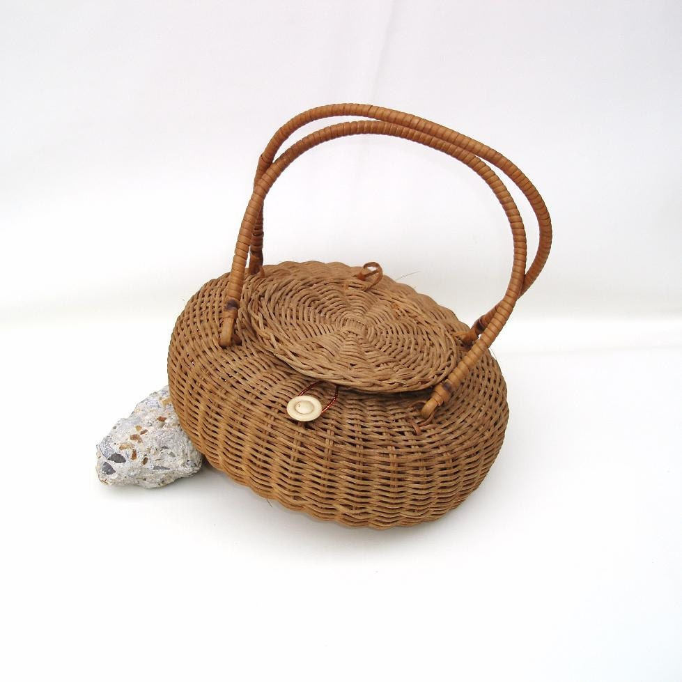 Wicker Sewing Basket,  Lidded Basket,  Brown / Round / Straw - WhimzyThyme