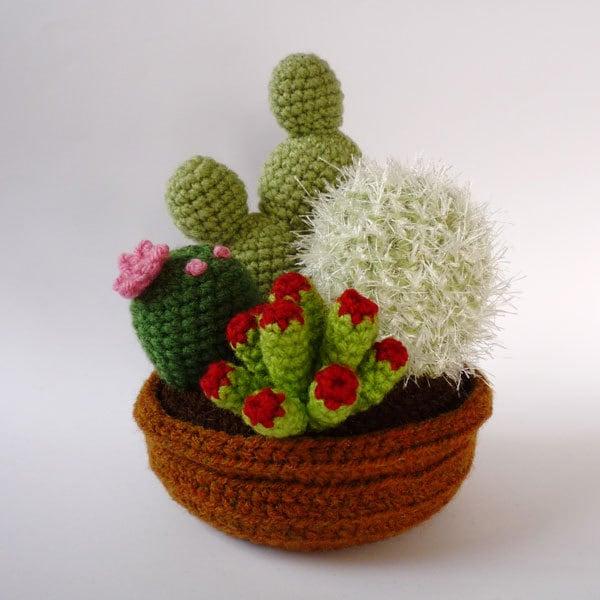 Etsy Amigurumi Cactus : 4-plant garden of realistic crocheted cacti and by LunasCrafts