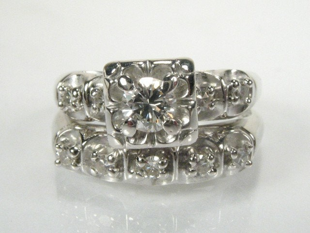 Fine Vintage 0.33 Carat Diamond Wedding Set
