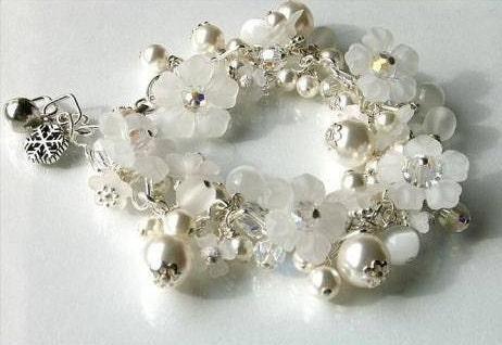 Snow White Winter Chill SNOW FAIRY Boutique Custom Jingle Bell SNOWFLAKE Charm Bracelet