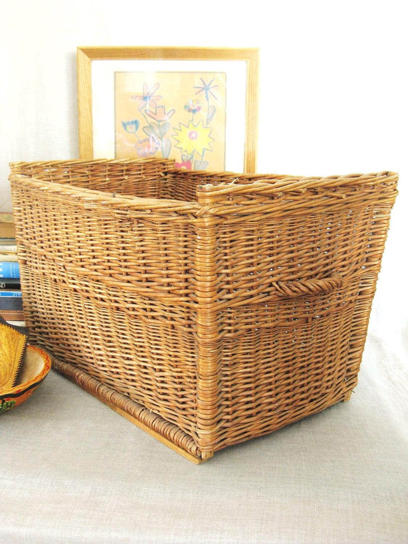 Vintage Very Large Basket - HBC Vintage HardGoods - HilBilEEcouture