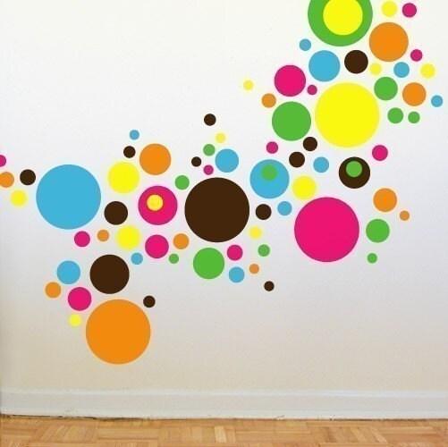 Узор из кругов на стене