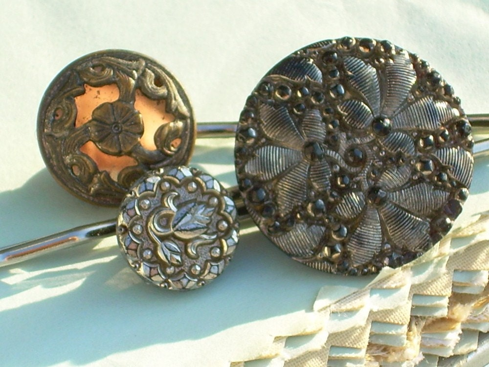 fancy antique button hairpin constellation