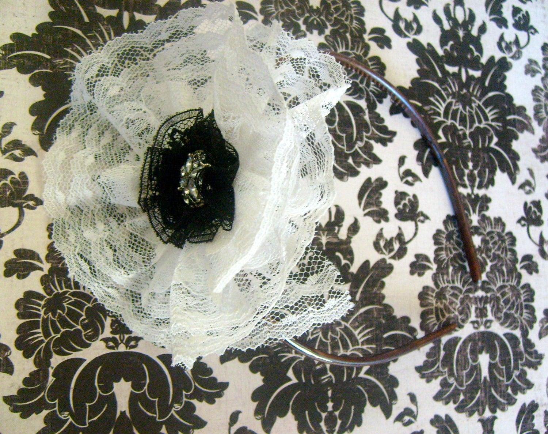 Black and white lace headband