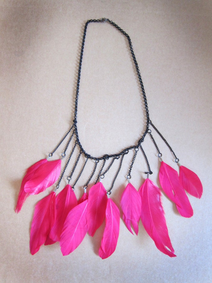 Shocking Pink feather - mywishlistetsy