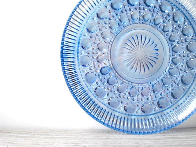 Vintage Indiana glass / plate / retro / pastel sky blue / Windsor / cottage chic / summer party serving / Federal Glass pattern