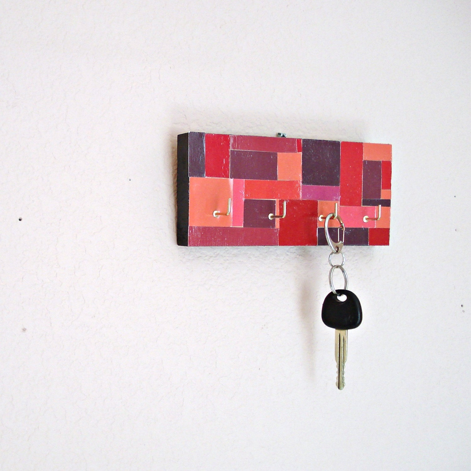 Key Hanger in a Red Mosaic Pattern - Lolailo