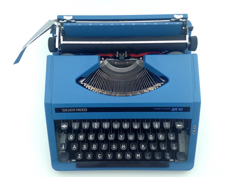 Dark blue Silver Reed  working typewriter  vintage  70s Seiko Ltd