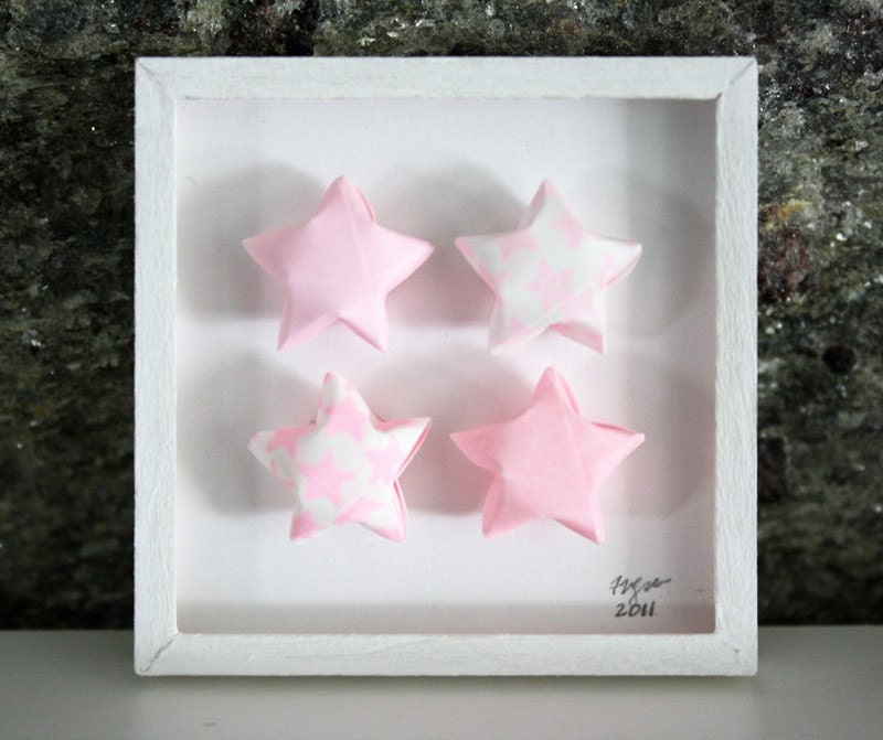"iniature Origami Paper Wall Art, ""4 Stars"" in Pink, Shadowbox Framed in White 1:12 Scale Dollhouses"