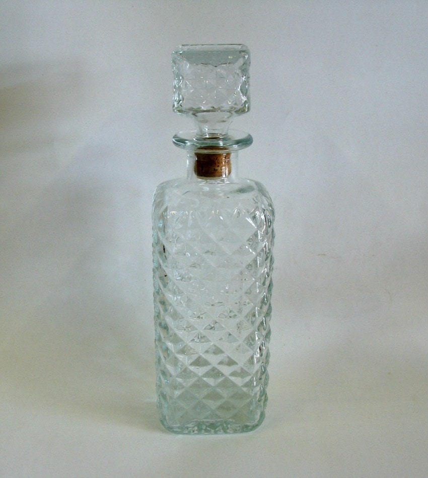 Vintage bottle with diamond on bottom bottle - Square bottom wine glasses ...