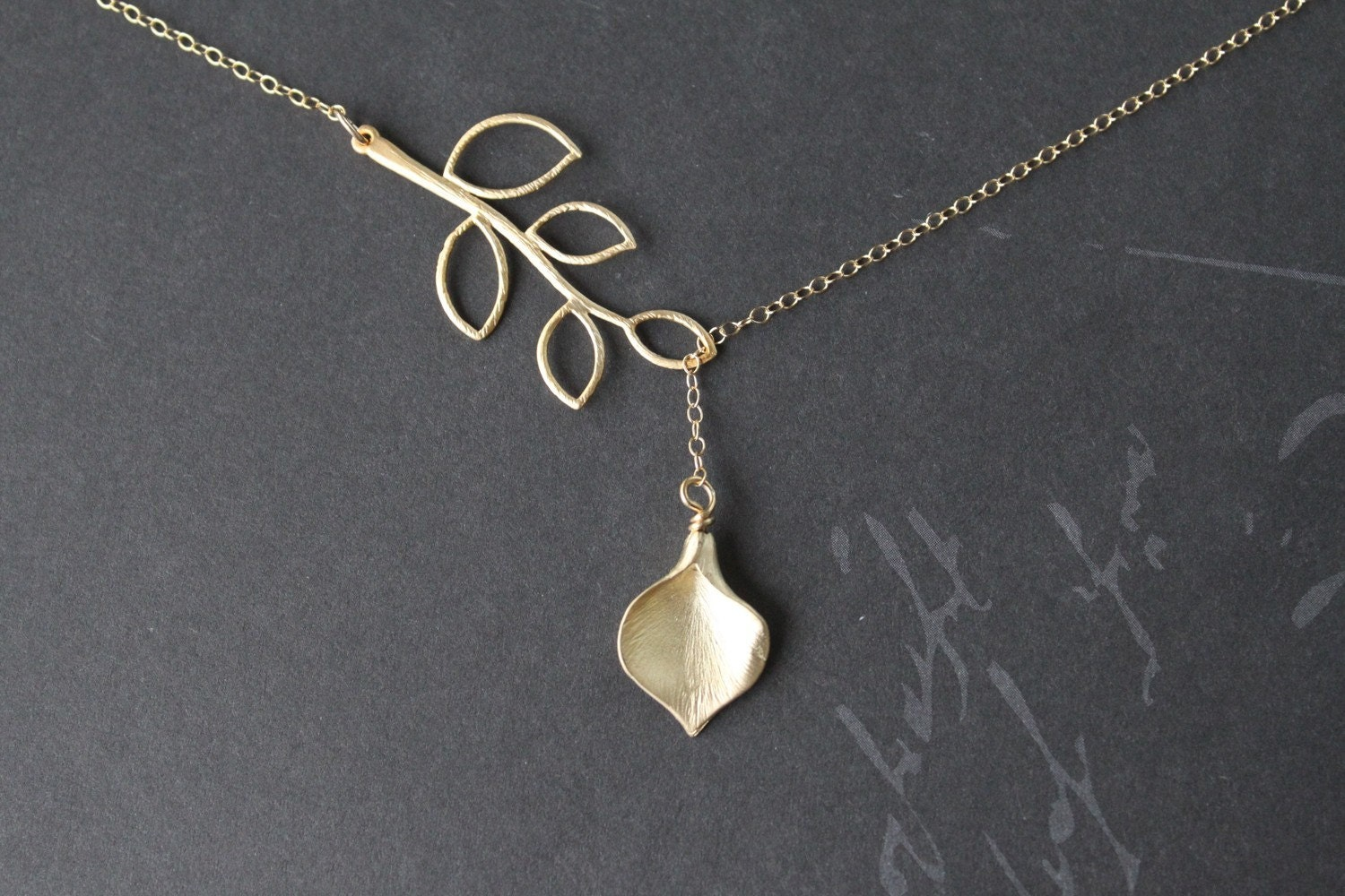 Branch lariat and calla lily flower 14k gold necklace