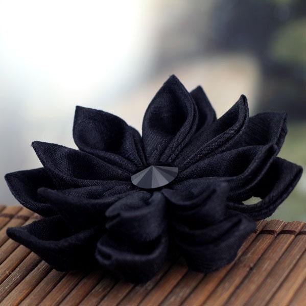 Noir Flower - Tsumami Style Silk Brooch