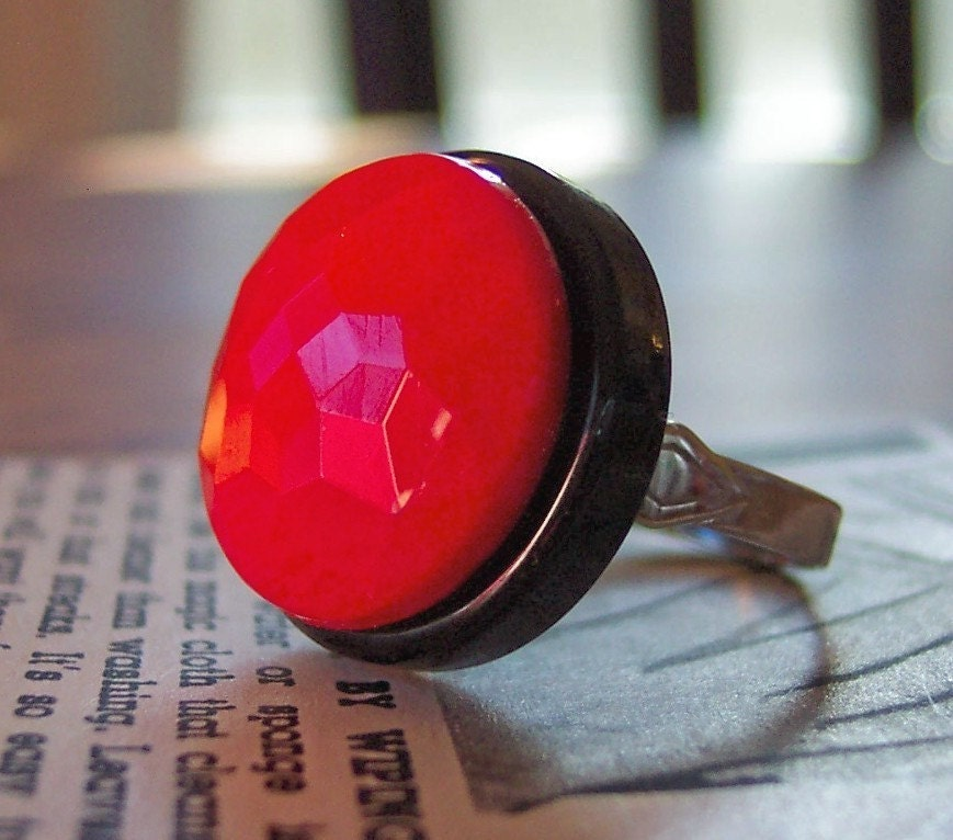 Faceted 50s Vintage Glass Button Ring