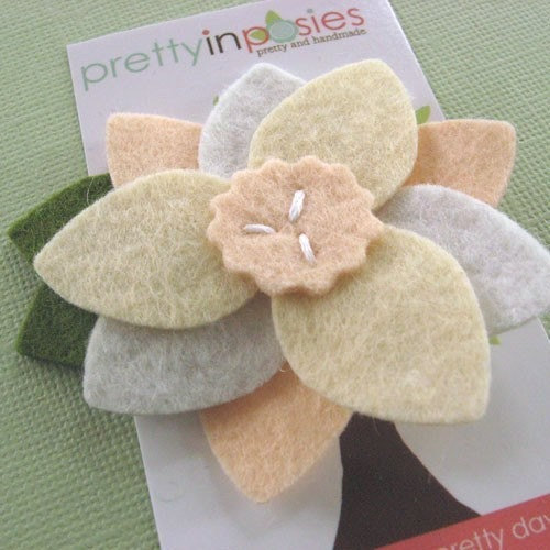 Tri Petal Big Bloom - Felt Flower Hair Clip or Brooch -Peaches and Cream