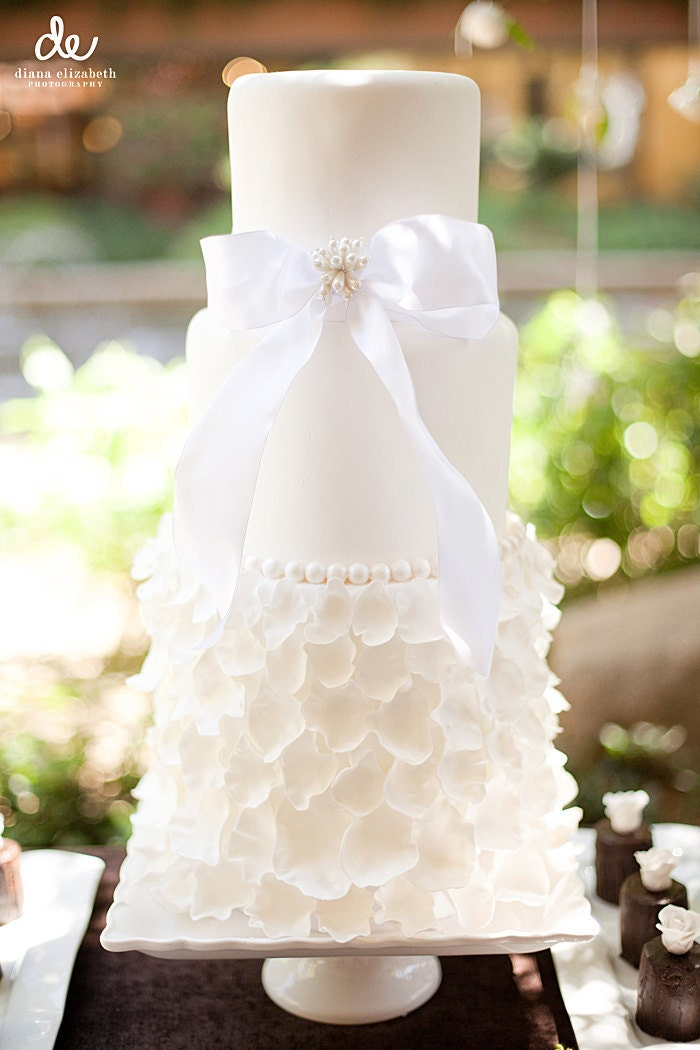 Gluten Free Wedding Cake Inspired by Wedding Dress