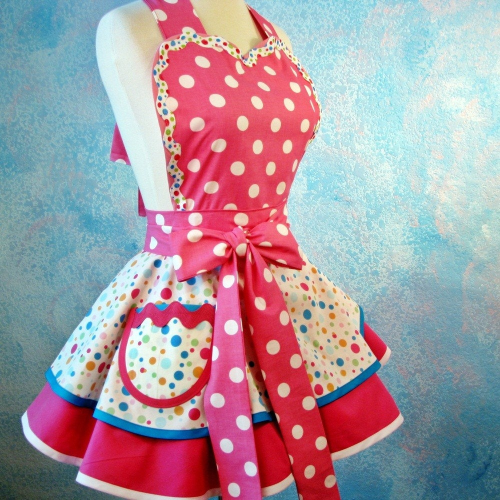 Full apron polka dots