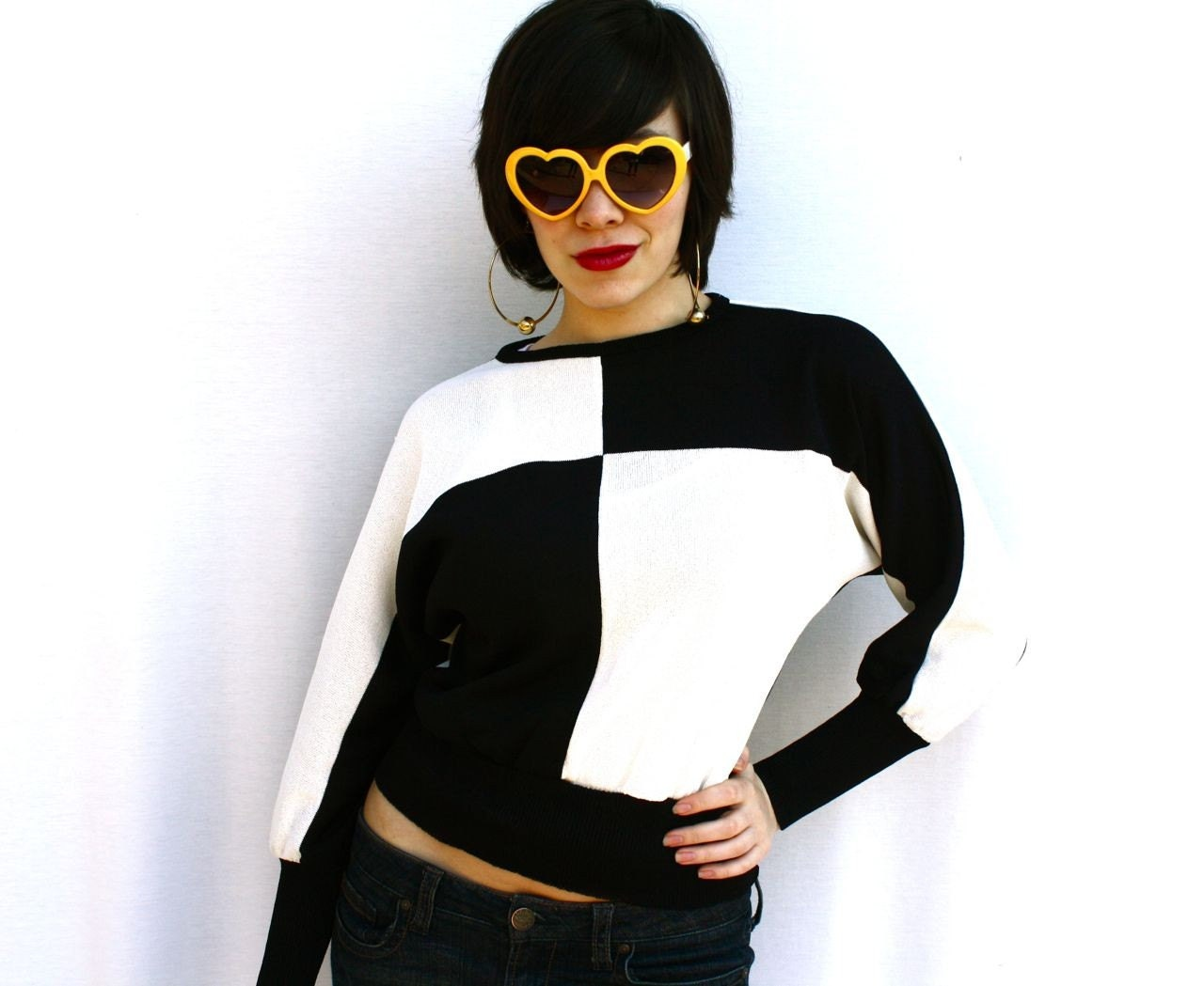 love hurts - vintage black and white foursquare sweater top