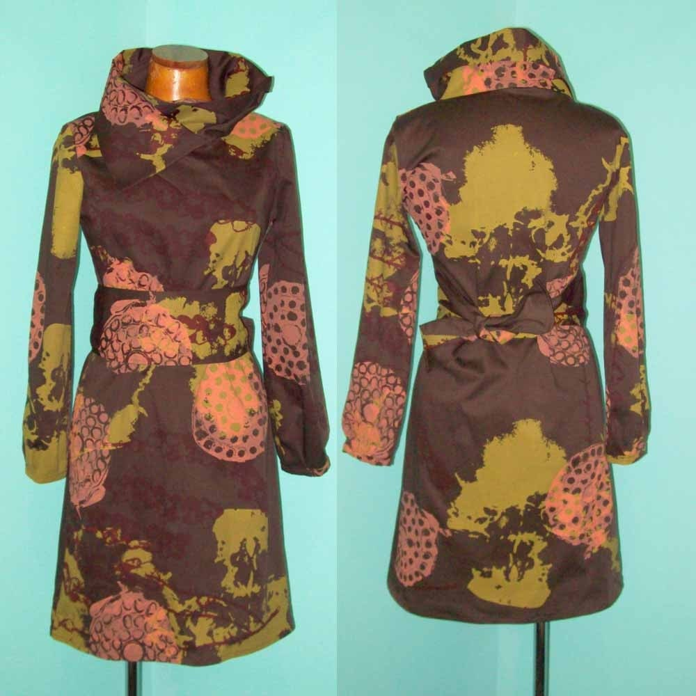 Long Sleeve Agogo Dress (brown w/ yellow skull xray)