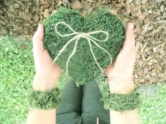 SALE......Sweet Heart Ring Bearer Pillow Woodland Moss