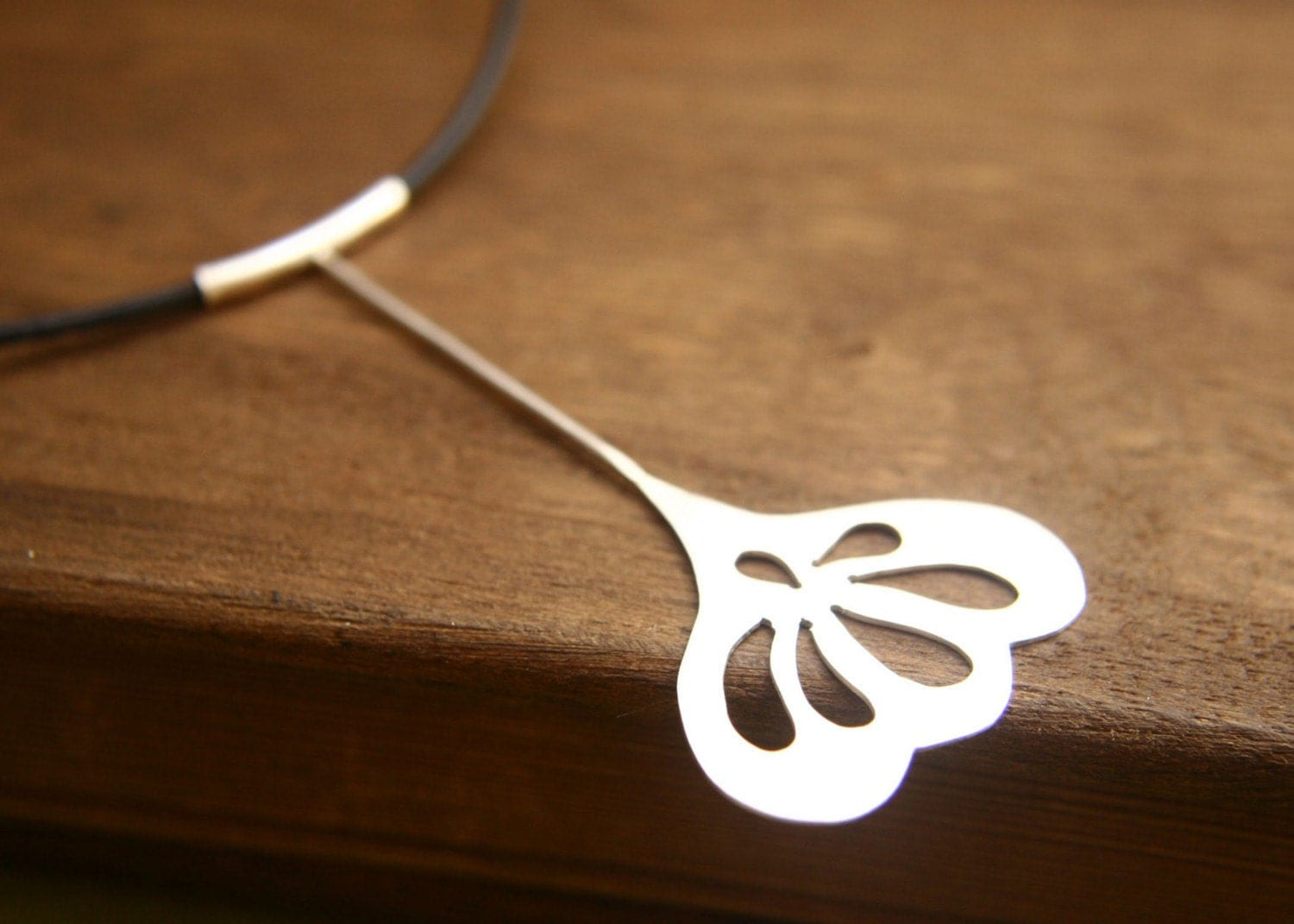 The Big Petal Necklace - Sterling Silver