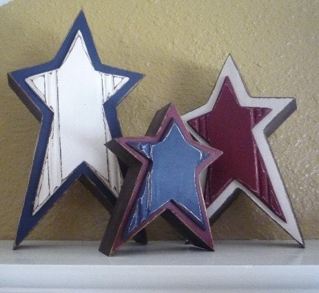 Wooden Freestanding Primitive Star Trio