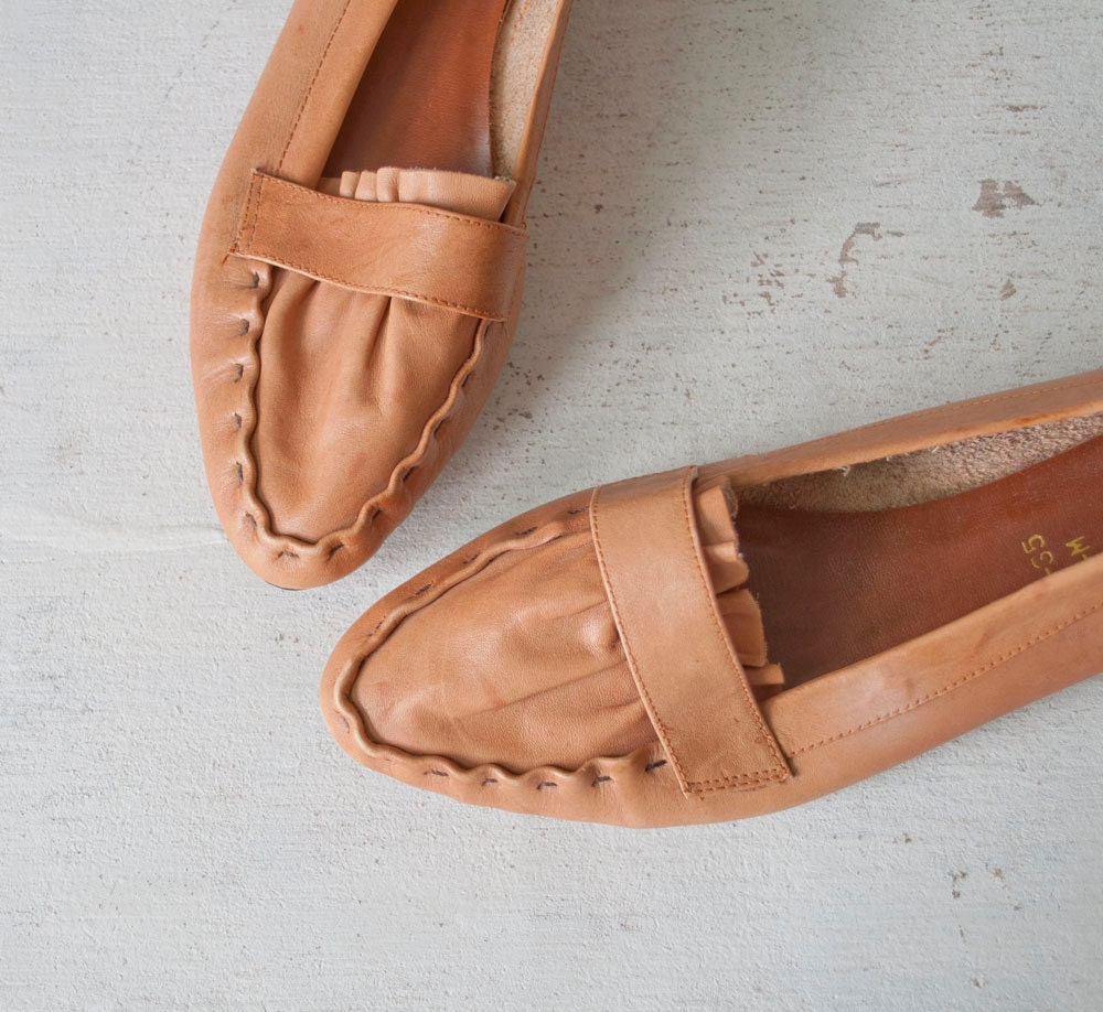 Vintage Leather Moccasins / Honey Brown / Rustic by MariesVintage