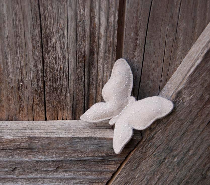 Butterfly  felt brooch - suyika