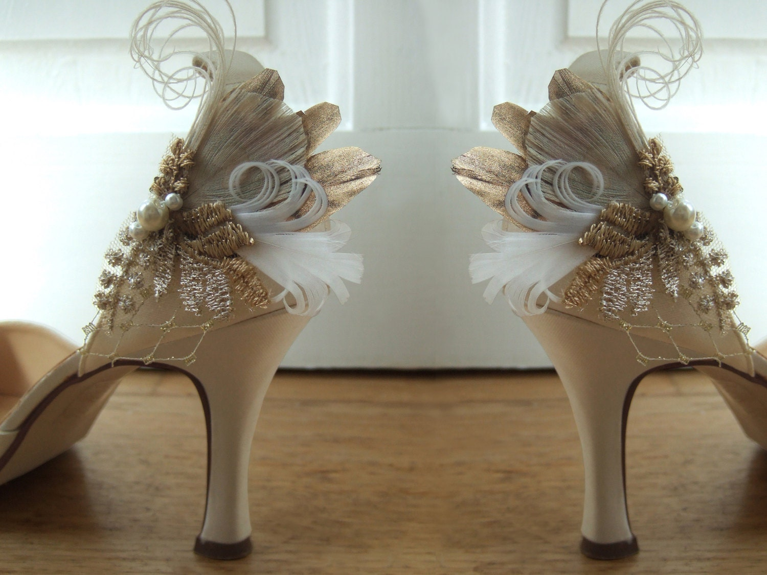 Bridal Peacock Pheasant Feathers Shoe Clips Cia with Vintage Lace (Pair) Bride Bridesmaid. Antique  Light Gold Shabby Chic Wedding Shoes