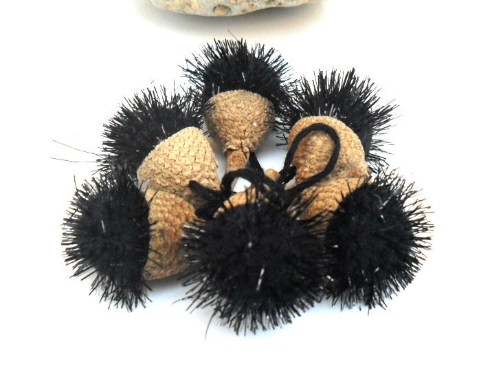 Gift bow Black Acorn pompom / ornament. Gifts supplies - Daniblu