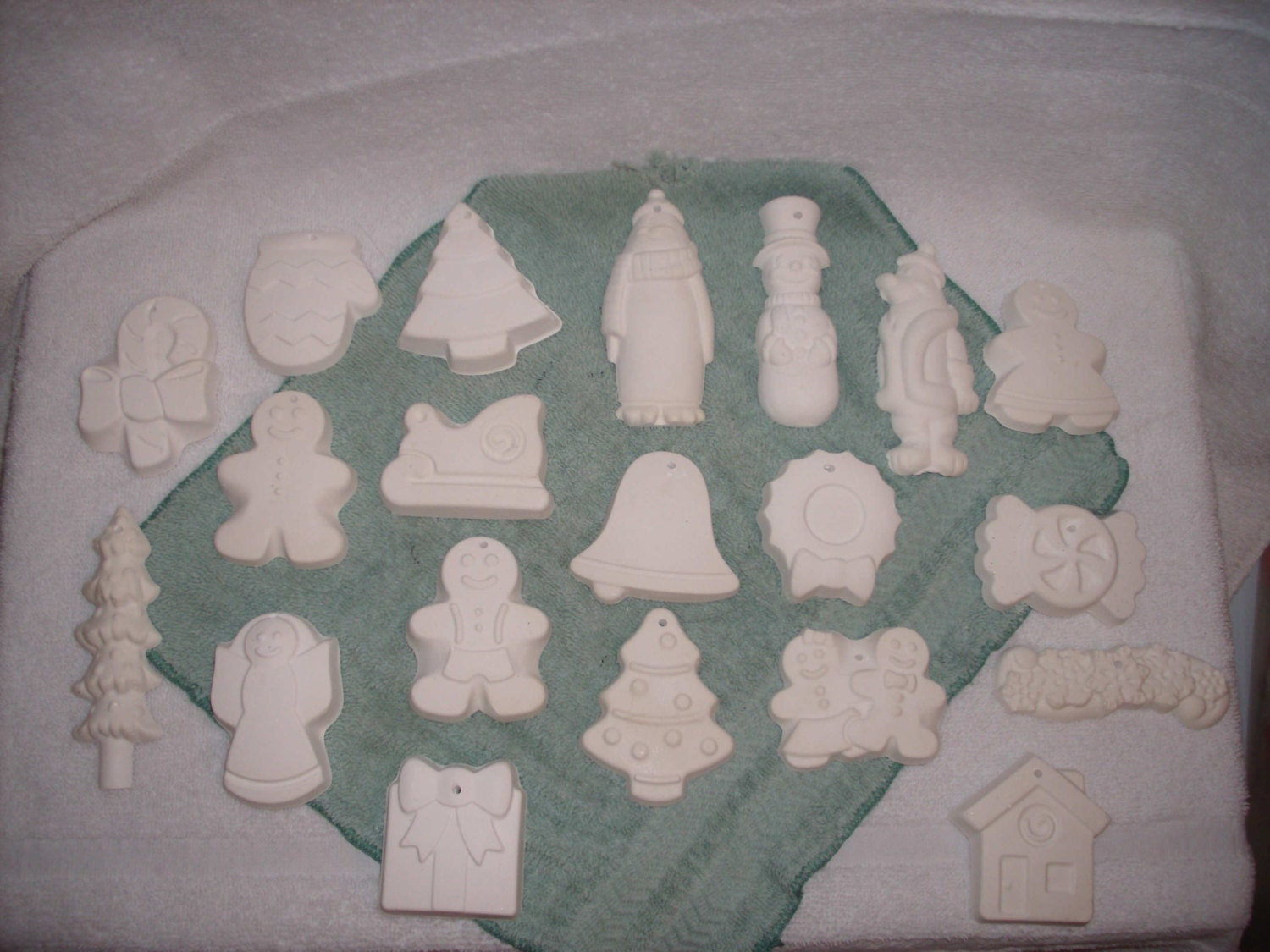 Items similar to 20 ready to paint plaster christmas for Plaster crafts to paint