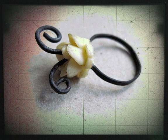 Etheromaniac. Ring with Japanese Celluloid Flower.