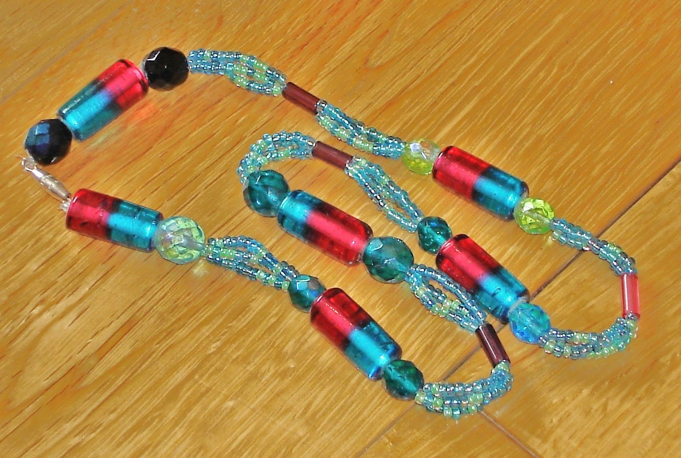 Chunky blue and red coastal beaded necklace
