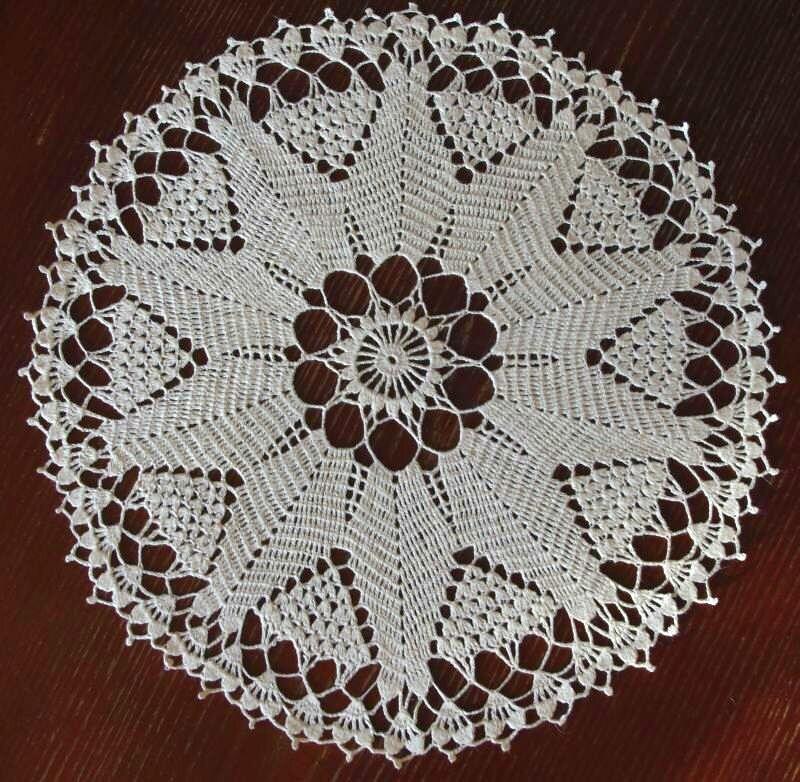 White crochet doily: white round handmade linen crochet doily