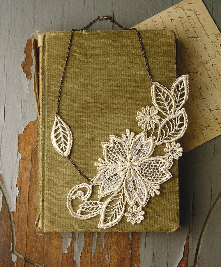 marichelle lace necklace (ivory)