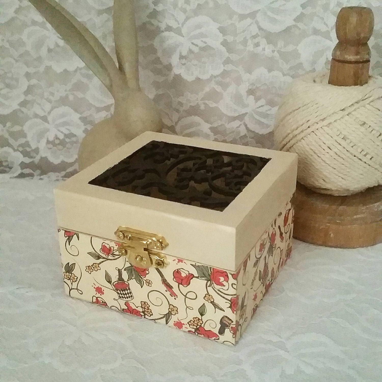 Alice in Wonderland red roses cream wooden vintage box trinket  jewellery  display box red queen design