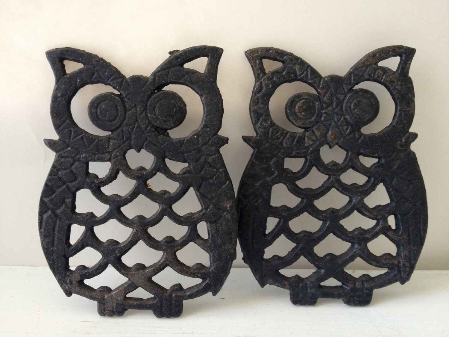 Set of 2 Vintage Owl Trivits