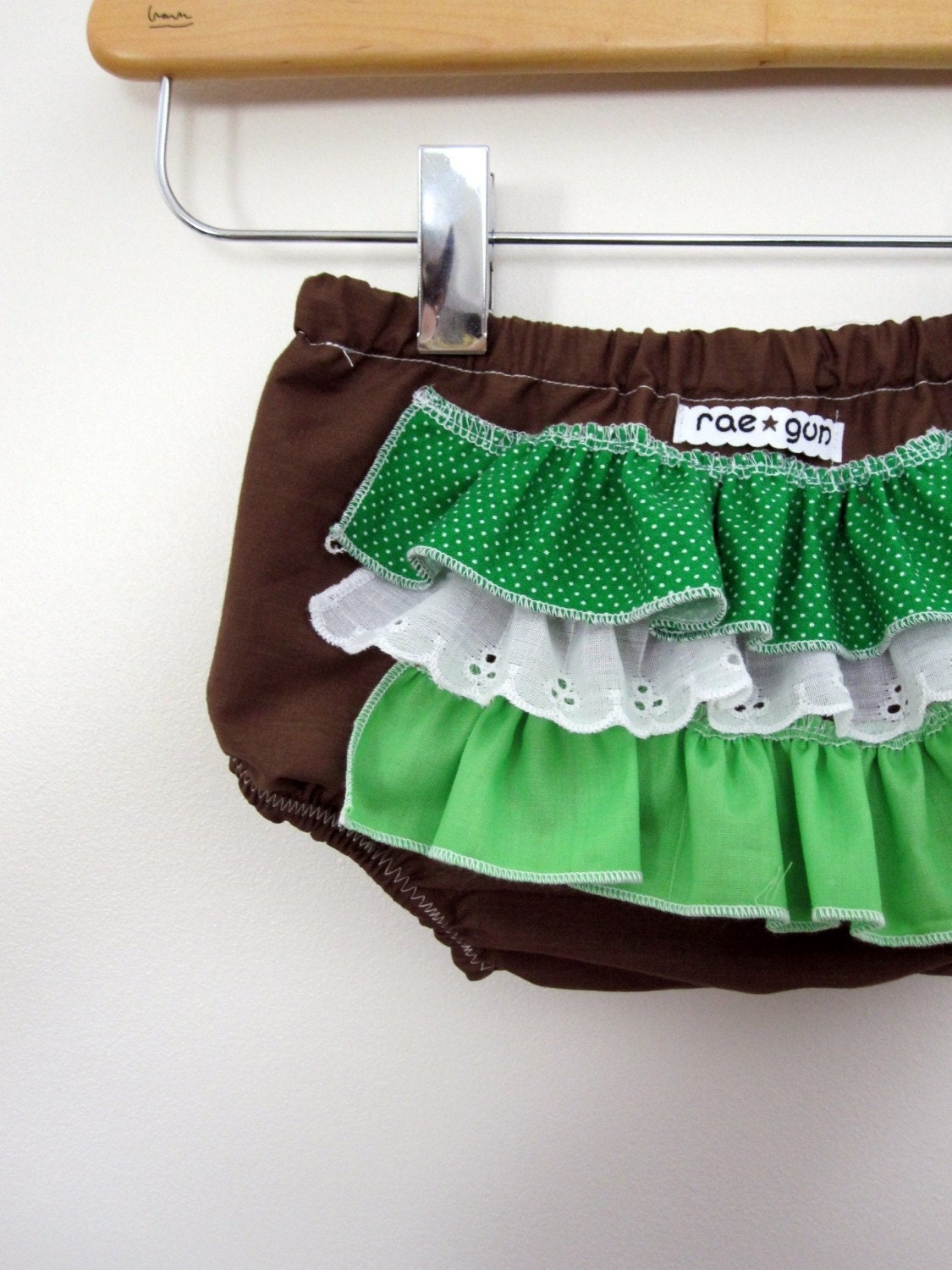 Grasshopper -ruffle diaper covers