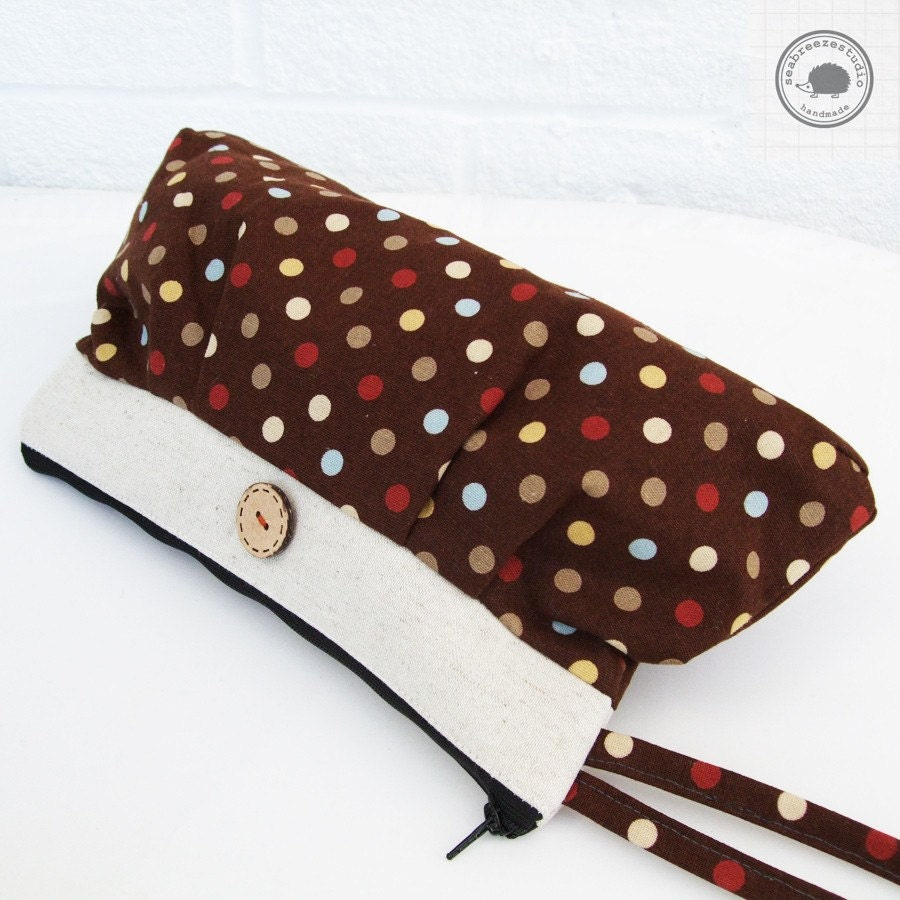 SALE - Pleated wristlet - Brown dots
